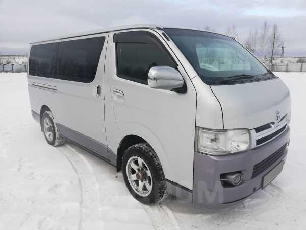 Toyota Hiace, 2004 год, 720 000 руб.