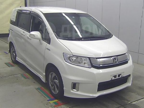 Honda Freed Spike, 2015 год, 790 000 руб.