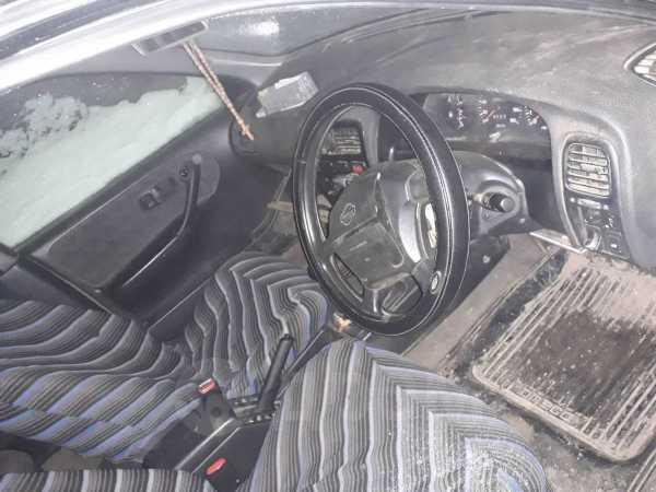Nissan Avenir Salut, 1998 год, 100 000 руб.