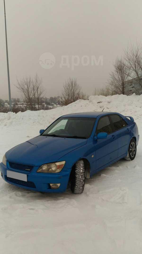 Toyota Altezza, 2000 год, 303 000 руб.