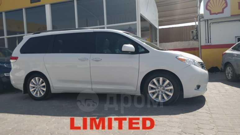 Toyota Sienna, 2011 год, 1 350 000 руб.