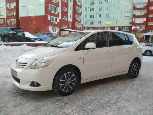 Toyota Verso, 2010 год, 695 000 руб.