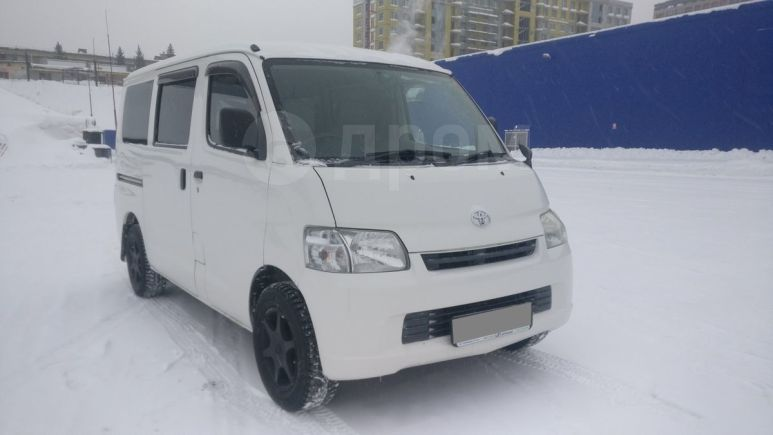 Toyota Town Ace, 2012 год, 584 000 руб.
