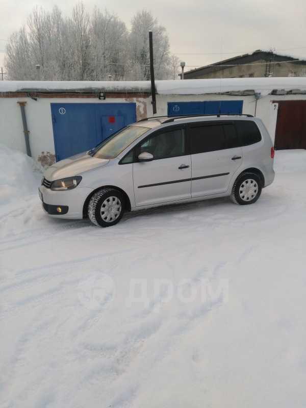 Volkswagen Touran, 2011 год, 575 000 руб.