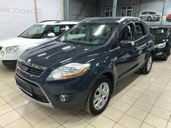 Ford Kuga, 2010 год, 560 000 руб.