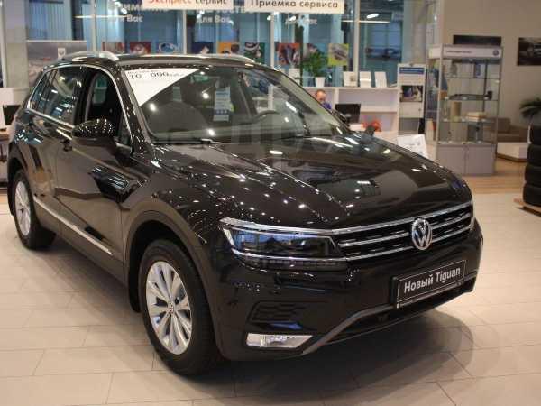 Volkswagen Tiguan, 2020 год, 2 420 900 руб.