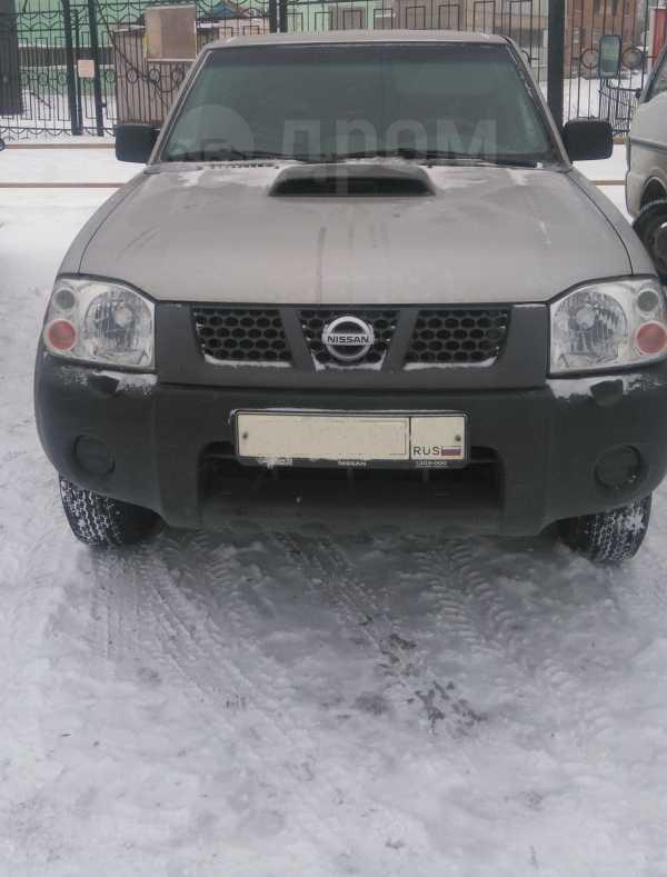 Nissan NP300, 2013 год, 1 010 000 руб.