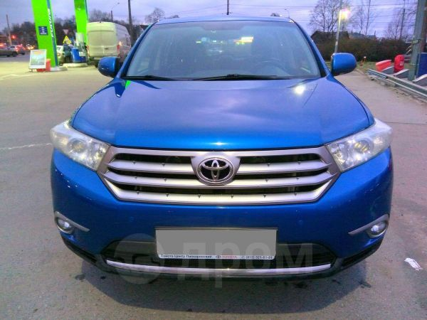 Toyota Highlander, 2012 год, 1 100 000 руб.