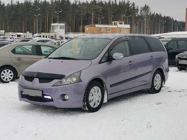 Mitsubishi Grandis, 2004 год, 430 000 руб.
