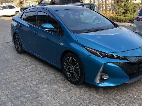 Toyota Prius PHV, 2017 год, 1 500 000 руб.