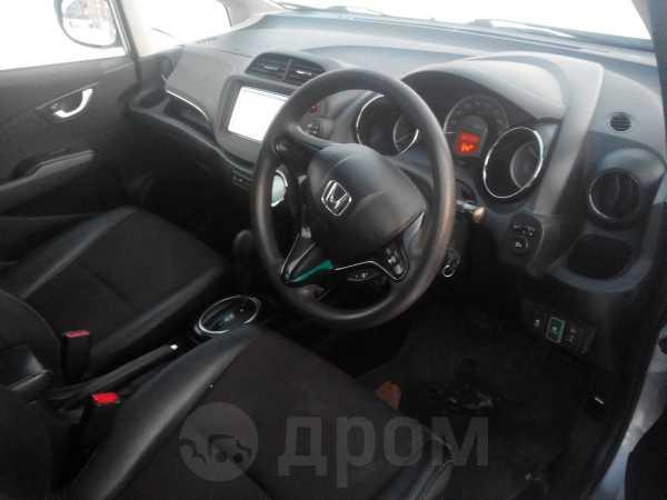Honda Fit Shuttle, 2012 год, 490 000 руб.