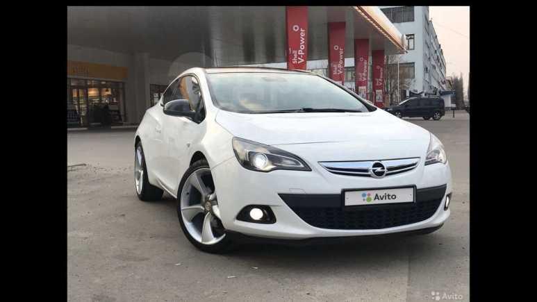 Opel Astra GTC, 2013 год, 635 000 руб.