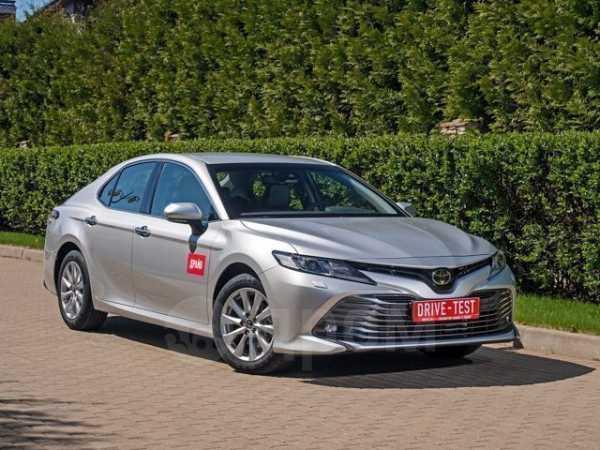 Toyota Camry, 2019 год, 890 000 руб.