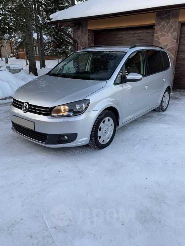 Volkswagen Touran, 2011 год, 610 000 руб.