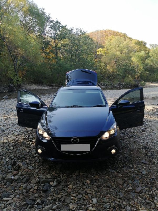 Mazda Axela, 2015 год, 570 000 руб.
