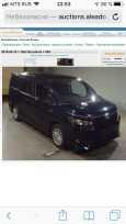 Toyota Voxy, 2014 год, 1 350 000 руб.