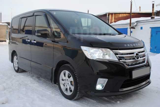 Nissan Serena, 2011 год, 805 000 руб.