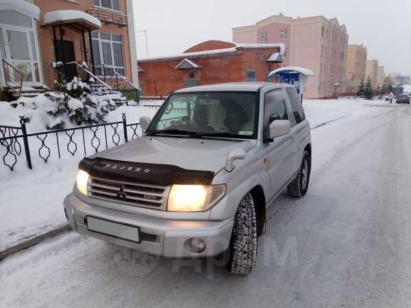 Mitsubishi Pajero iO, 2001 год, 265 000 руб.