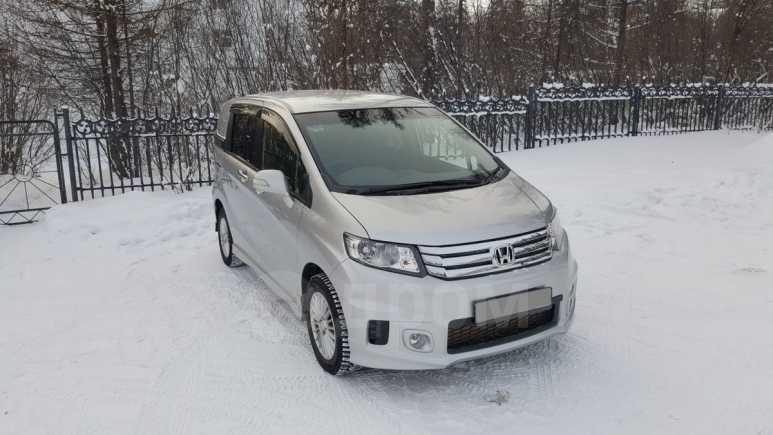 Honda Freed Spike, 2013 год, 700 000 руб.