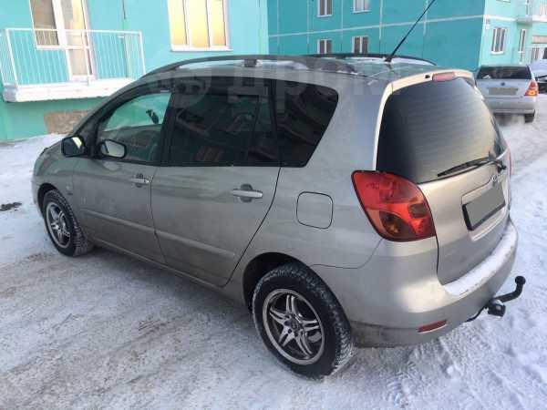 Toyota Corolla Verso, 2002 год, 405 000 руб.