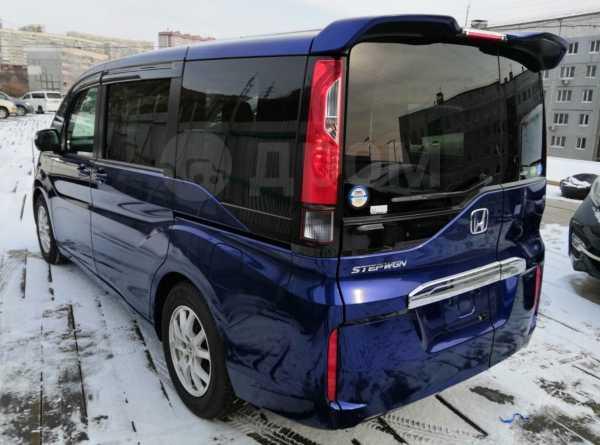 Honda Stepwgn, 2017 год, 1 268 000 руб.