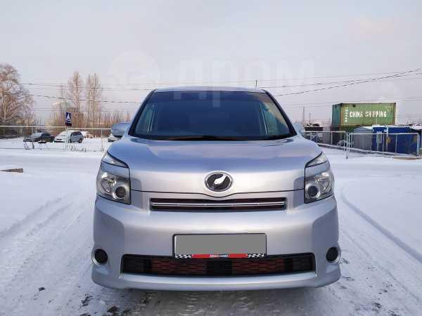 Toyota Voxy, 2009 год, 760 000 руб.