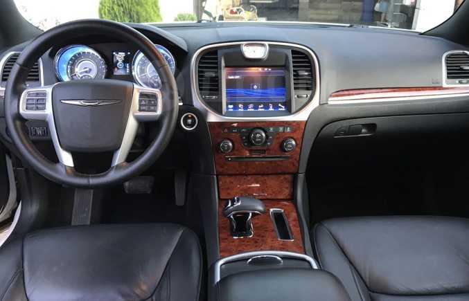 Chrysler 300C, 2014 год, 1 190 000 руб.