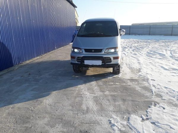 Mitsubishi Delica, 2002 год, 1 000 000 руб.