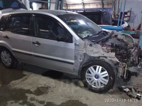 Ford Fusion, 2004 год, 85 000 руб.