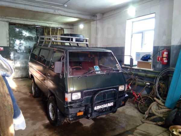Mitsubishi Delica, 1985 год, 200 000 руб.