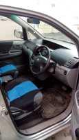Toyota Voxy, 2003 год, 450 000 руб.