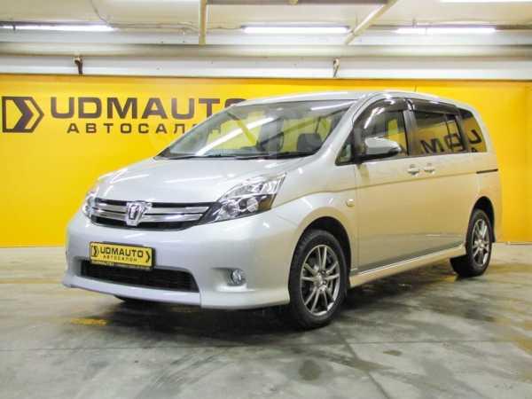 Toyota Isis, 2015 год, 849 000 руб.