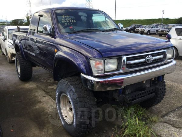 Toyota Hilux Pick Up, 1999 год, 620 000 руб.