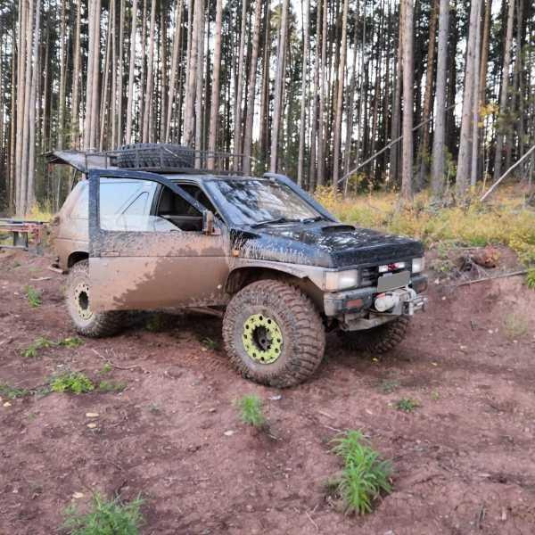 Nissan Terrano, 1992 год, 150 000 руб.