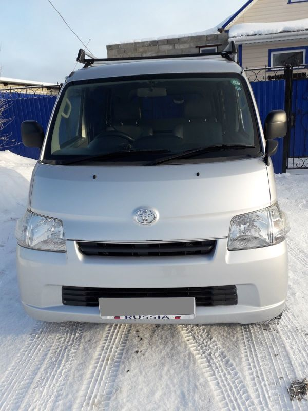Toyota Town Ace, 2014 год, 760 000 руб.