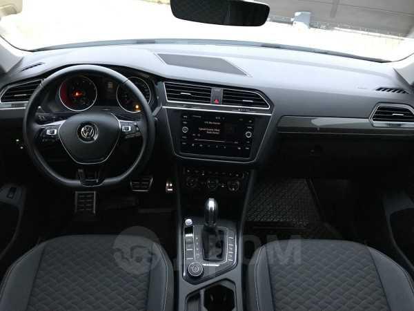 Volkswagen Tiguan, 2018 год, 1 495 000 руб.