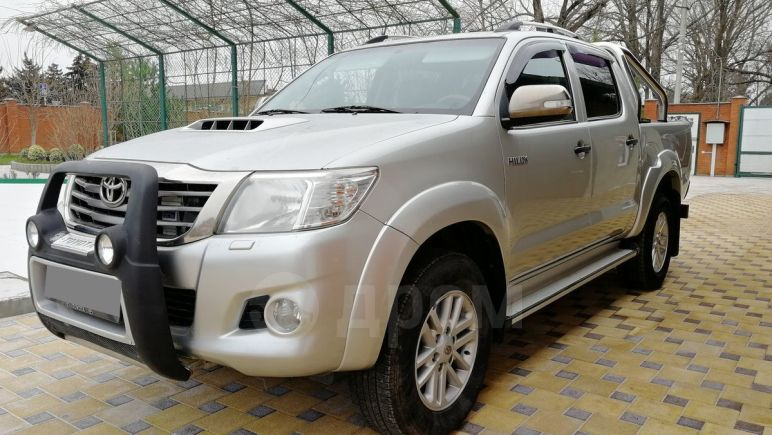 Toyota Hilux Pick Up, 2012 год, 1 333 000 руб.