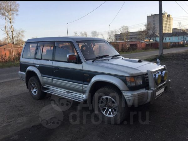 Mitsubishi Pajero, 1996 год, 380 000 руб.