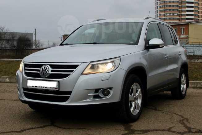 Volkswagen Tiguan, 2010 год, 785 000 руб.