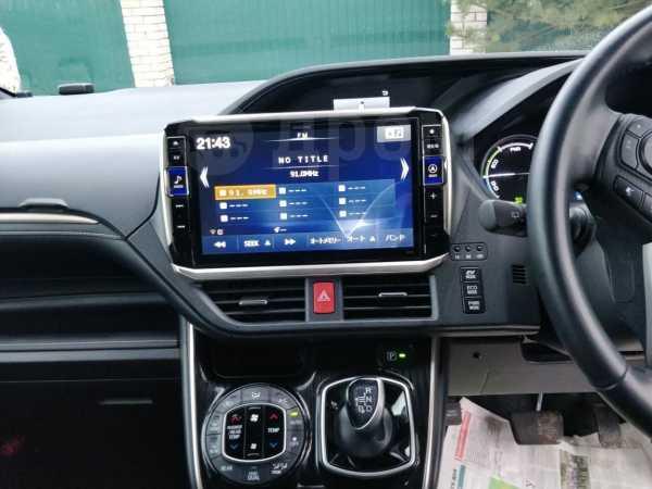 Toyota Esquire, 2016 год, 1 650 000 руб.