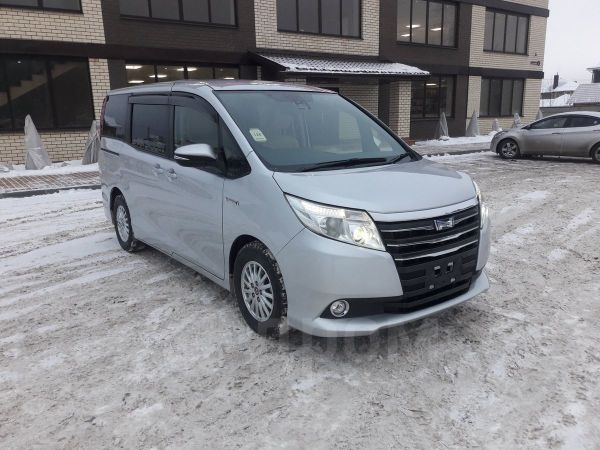 Toyota Noah, 2016 год, 1 180 000 руб.