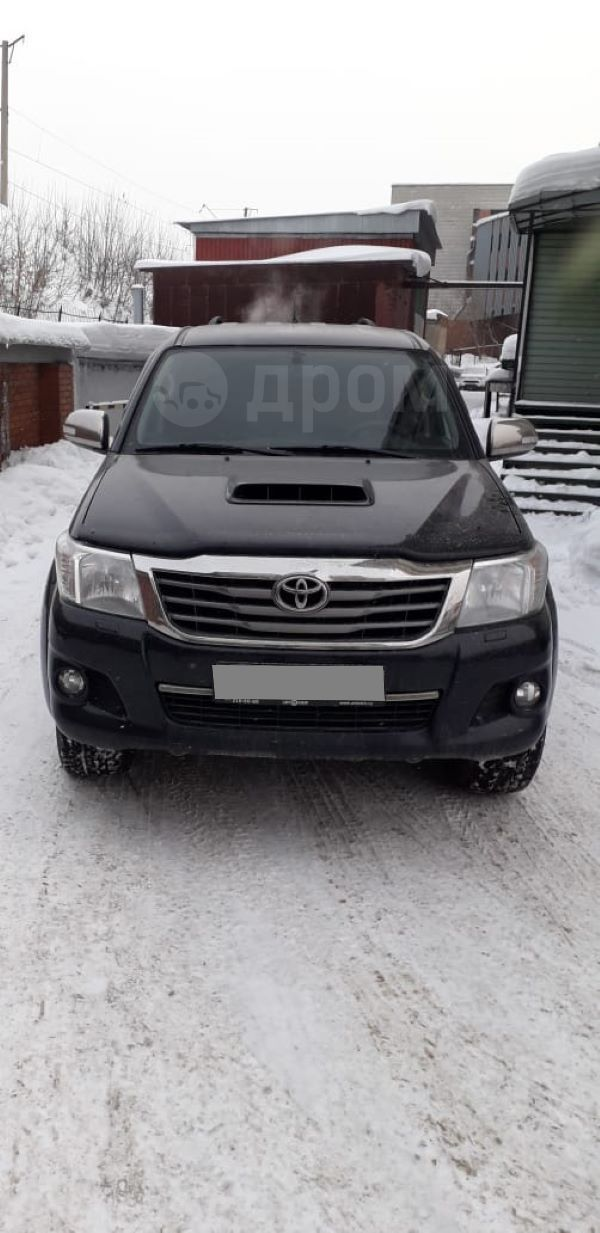 Toyota Hilux Pick Up, 2014 год, 1 305 000 руб.