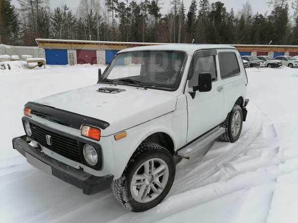 Лада 4x4 2121 Нива, 1999 год, 175 000 руб.