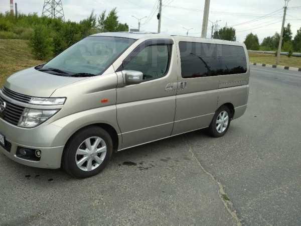 Nissan Elgrand, 2002 год, 520 000 руб.
