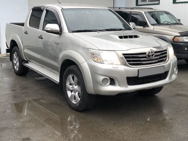 Toyota Hilux Pick Up, 2012 год, 899 999 руб.