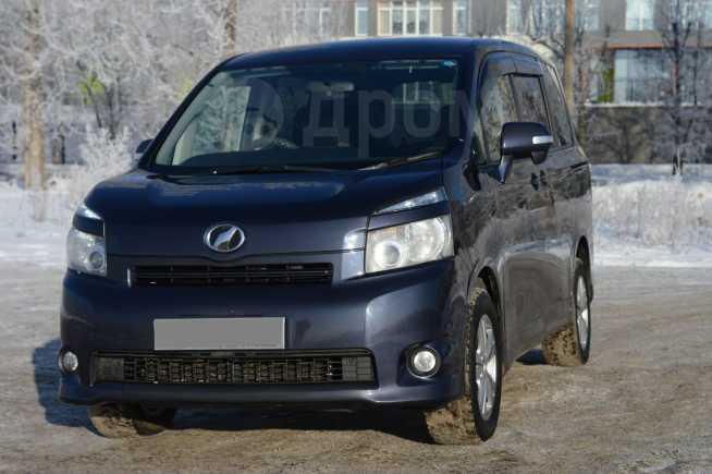Toyota Voxy, 2008 год, 760 000 руб.