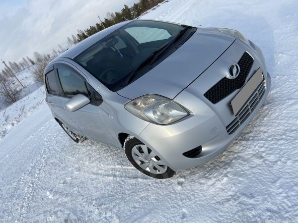 Toyota Vitz, 2006 год, 299 000 руб.