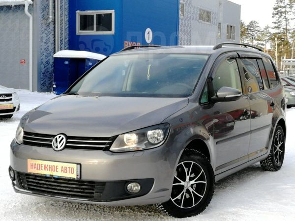 Volkswagen Touran, 2011 год, 530 000 руб.