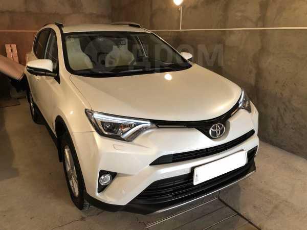 Toyota RAV4, 2018 год, 2 210 000 руб.