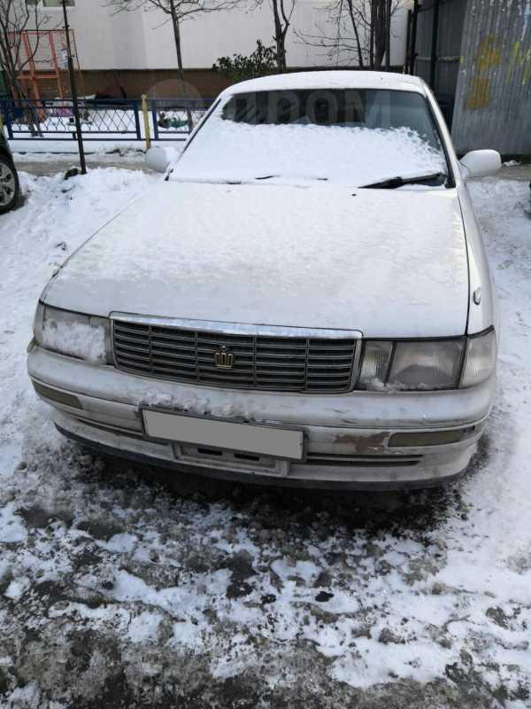 Toyota Crown, 1992 год, 104 000 руб.